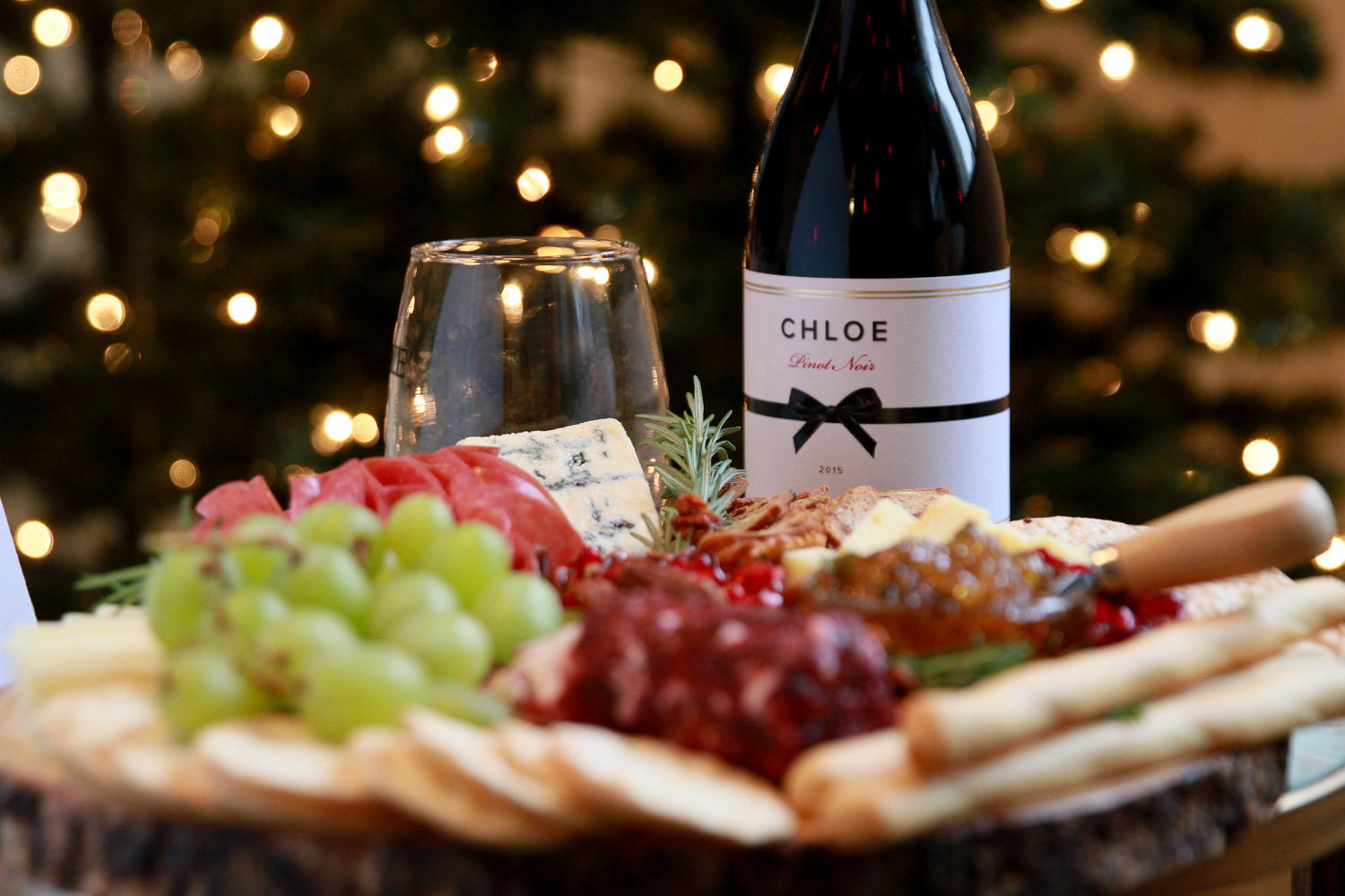 5 Steps to Building The Holiday Cheese Board