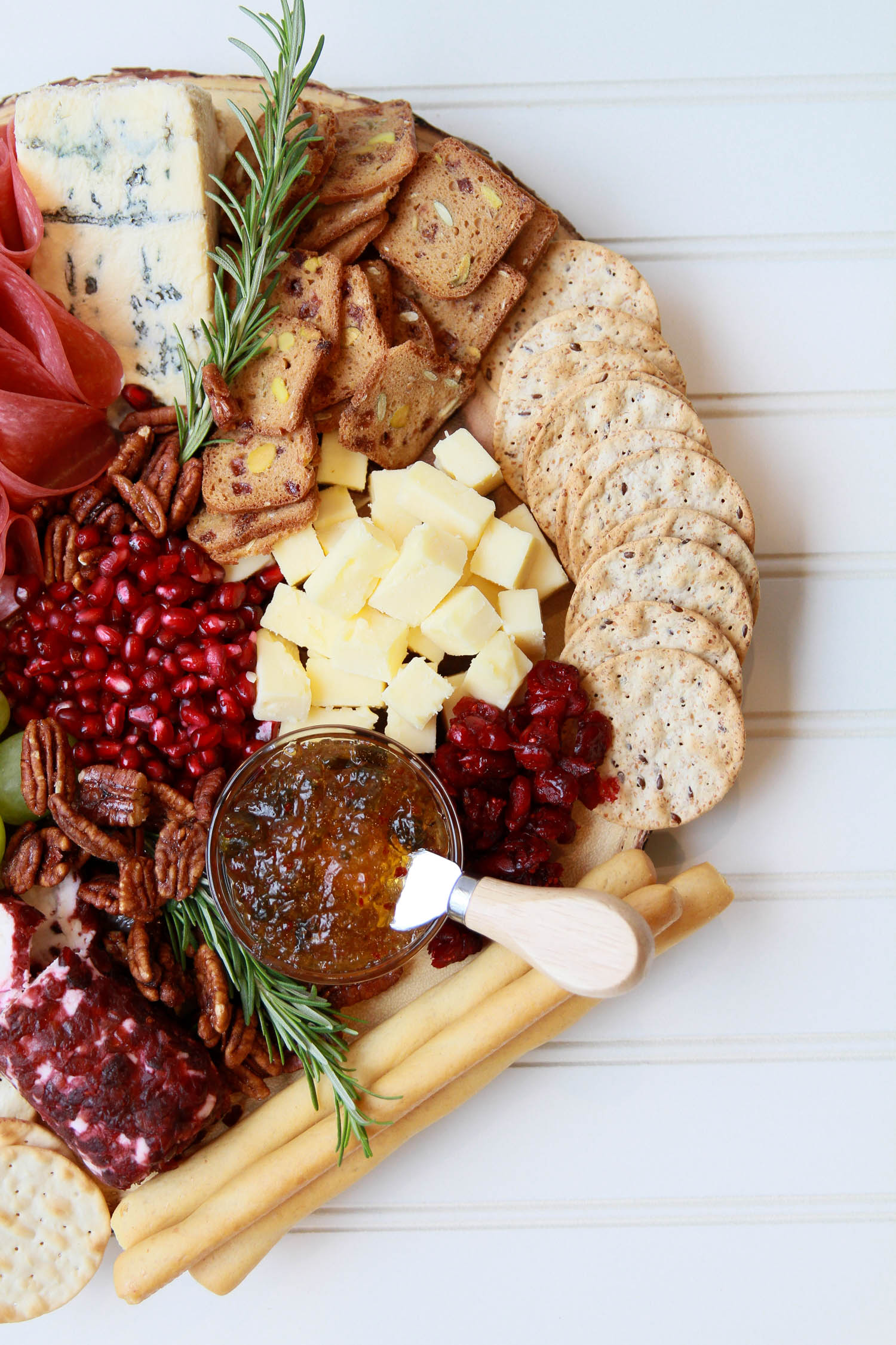 5 Steps to Building the Perfect Holiday Cheese Board_-7