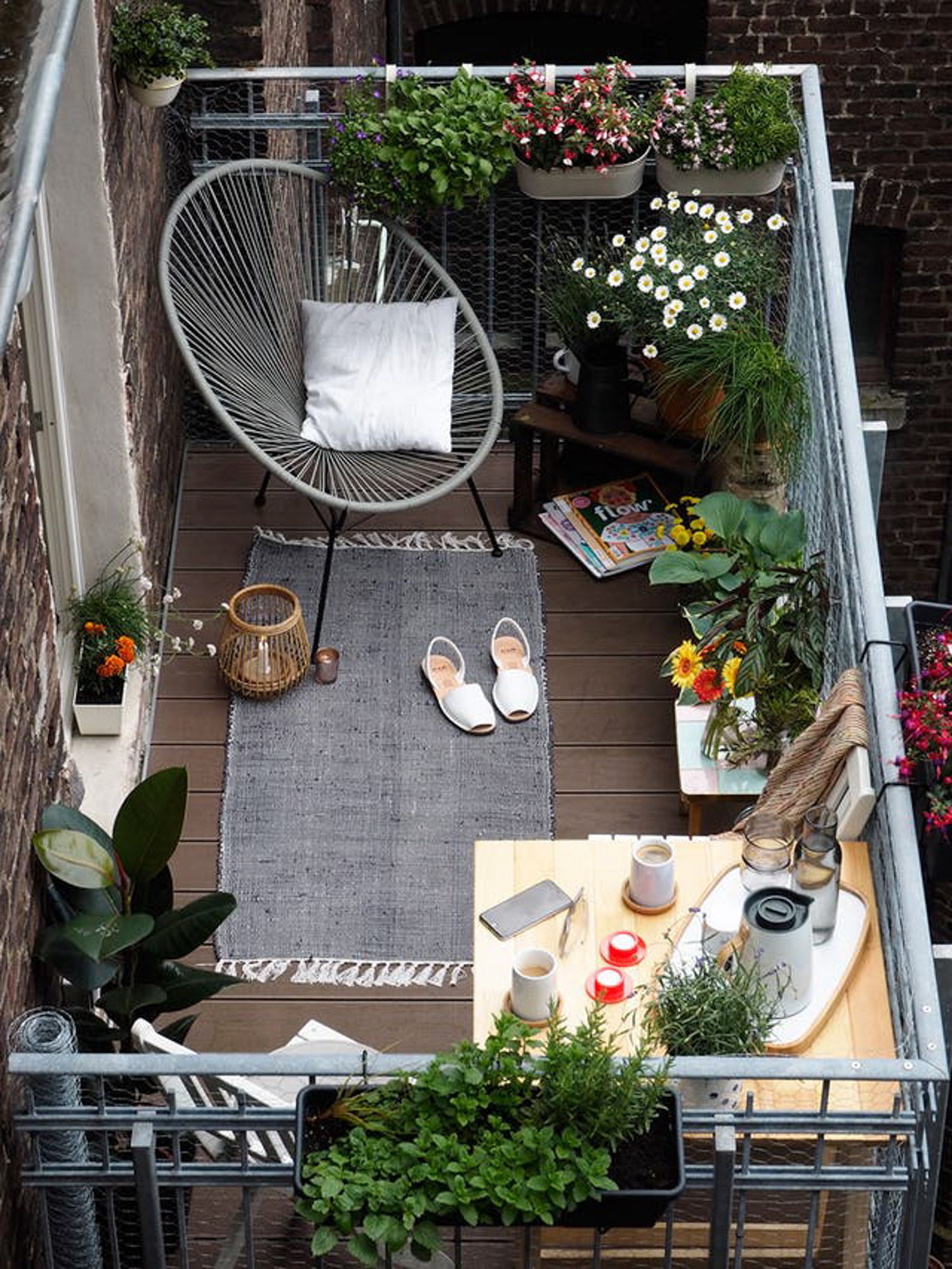 Small Apartment Balcony Garden Ideas: Inspiration For Small Apartment Balconies In The City