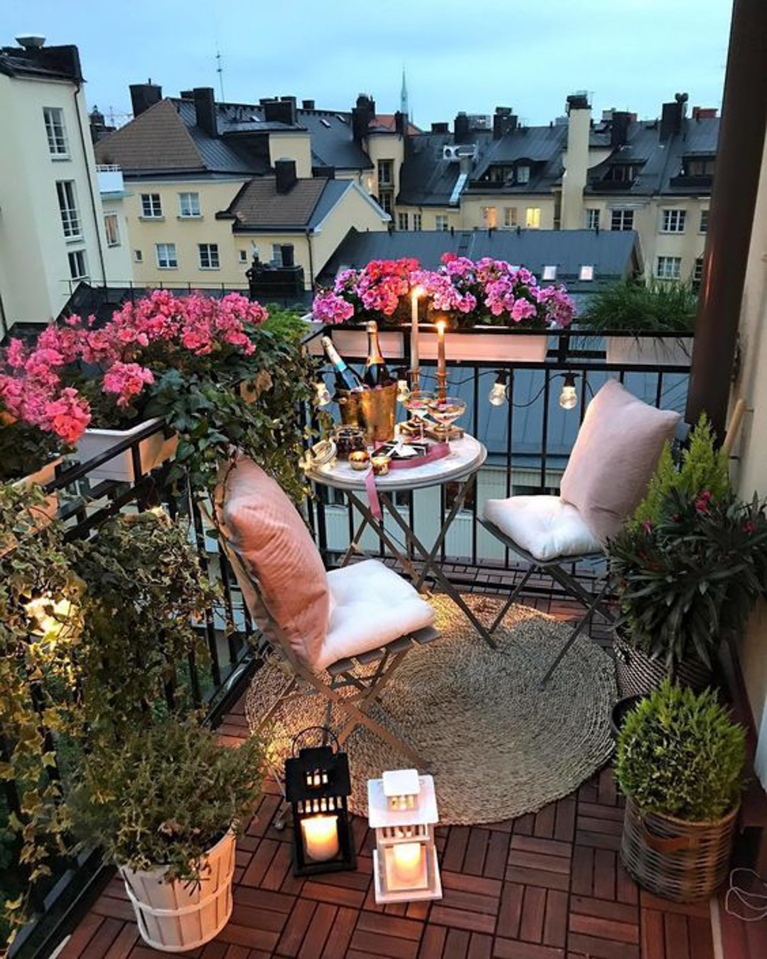 Small Balcony Apartment Living Room: Inspiration For Small Apartment Balconies In The City